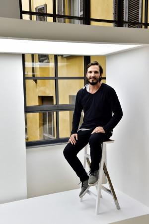 Stand Rio Design Brasile,per il salone del Designe del Mobile, Week Design in Via Maroncelli, 14, nella foto Leo Vairo presenta lo Sgabello Scala